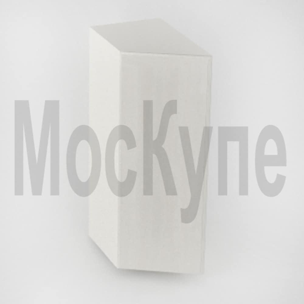 скошенный распашной шкаф купе